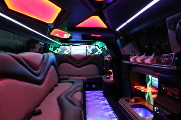 8 Person Chrysler 300 Limo Rental Arlington
